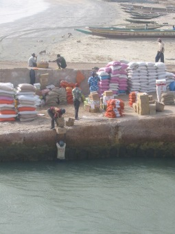 17 Banjul Crossing 011