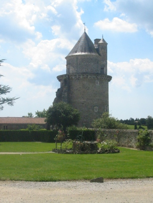 03 Chateaux_Tower 014