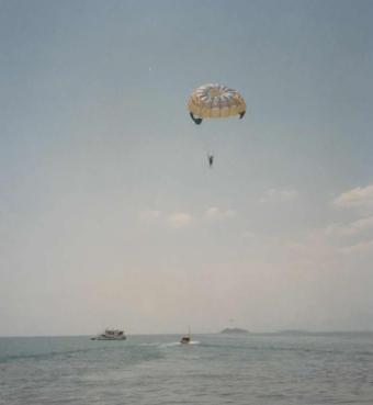 Honeymoon (22a) - Parascending