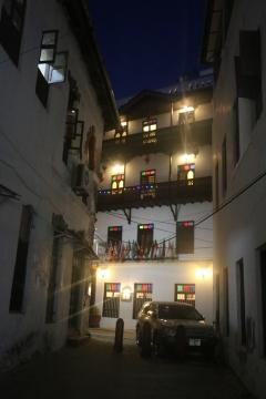 Zanzibar (2049)